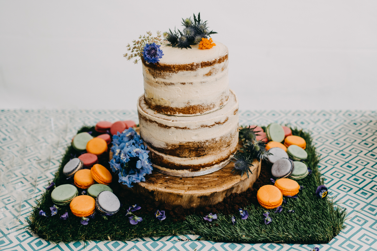 DIY naked wedding cake