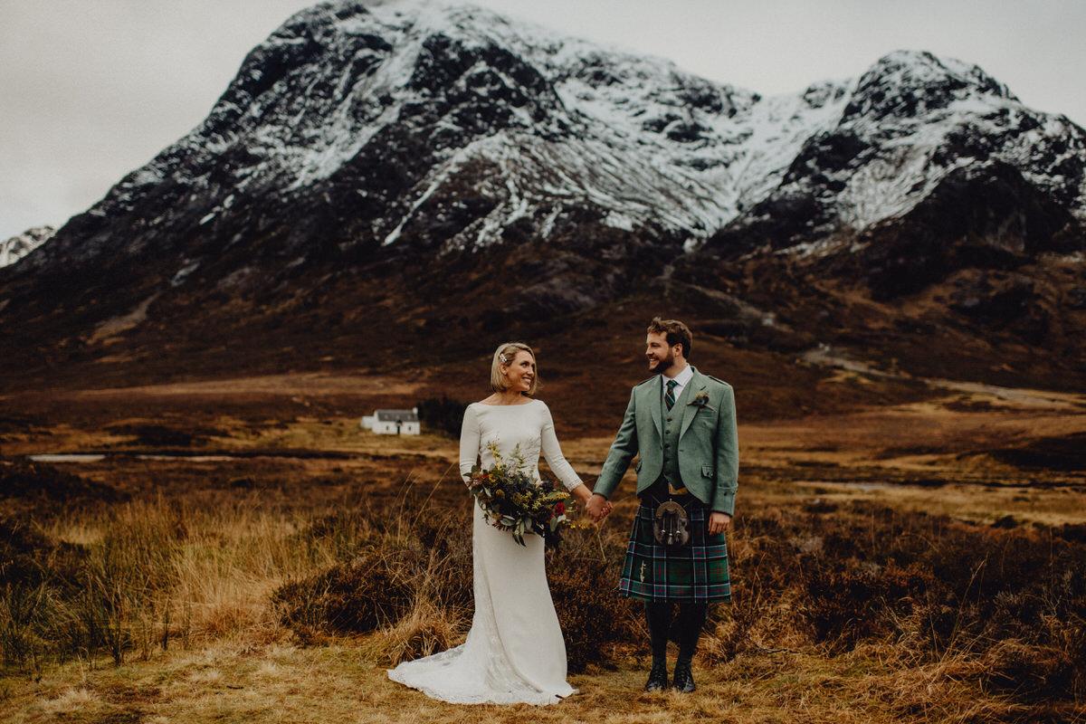 a wedding couple at Evite Mor Glencoe